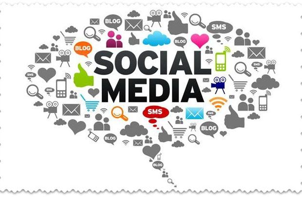 Sử dụng trang tìm kiếm việc làm và các trang mạng xã hội: