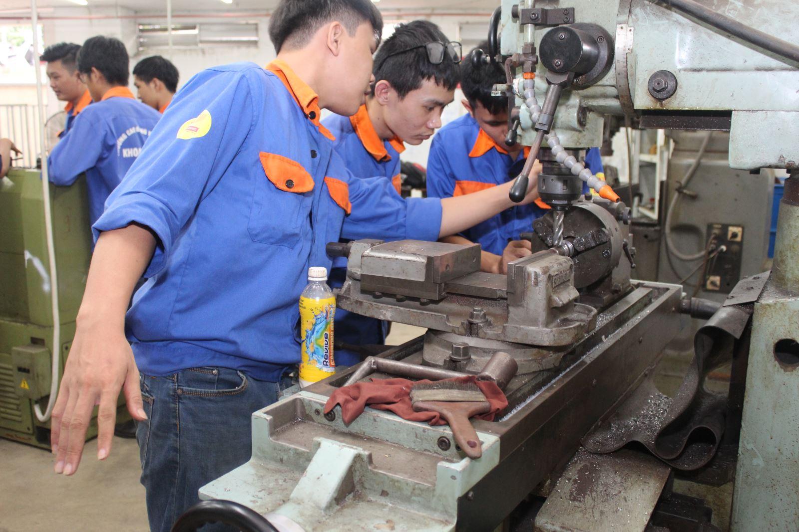Tìm việc làm cơ khí tại Hồ Chí Minh