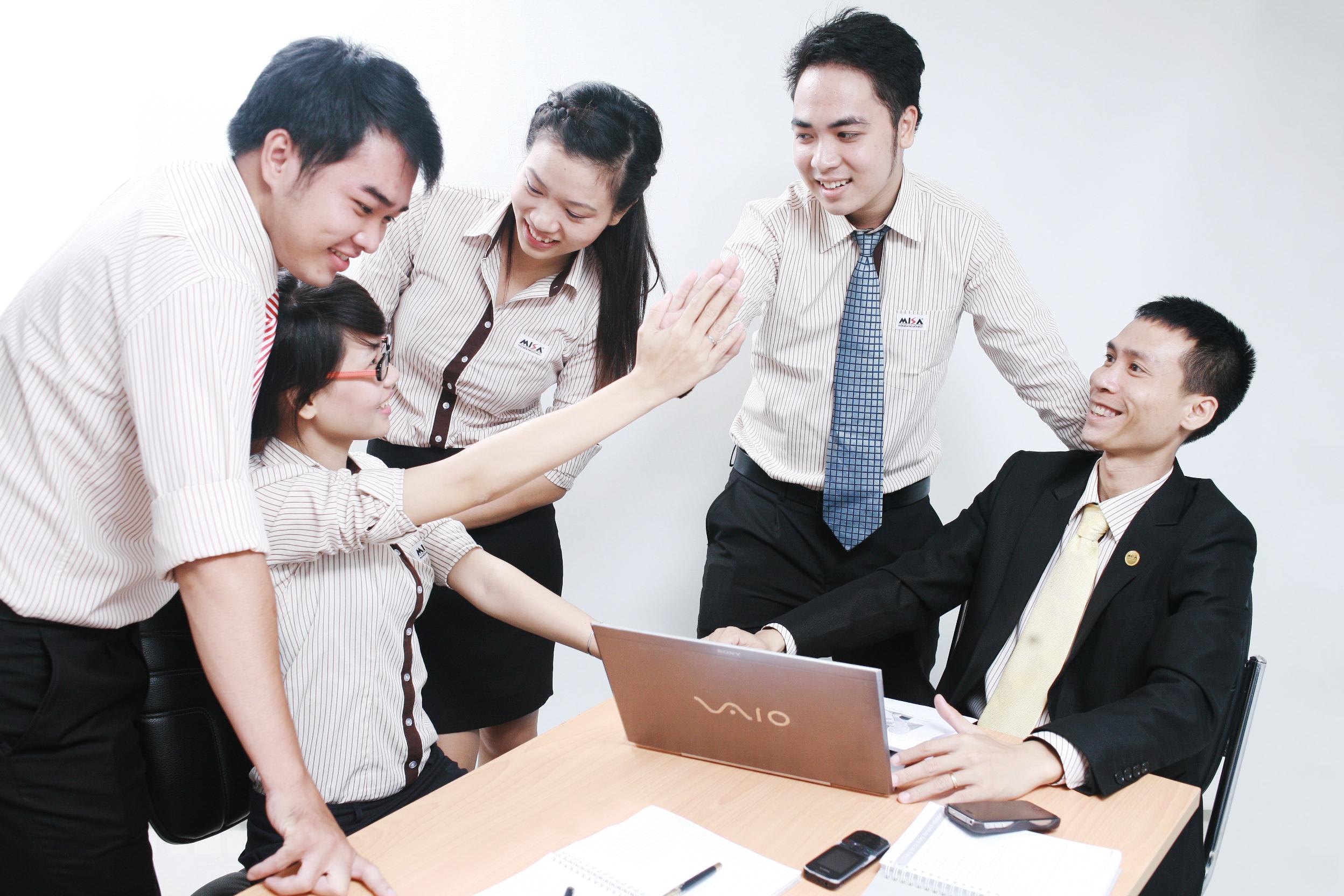 việc làm quản trị kinh doanh