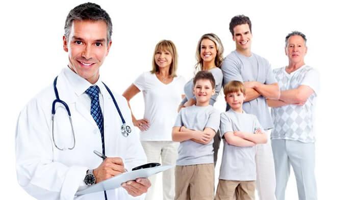 Bác sĩ và bác sĩ phẫu thuật