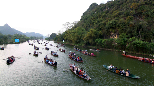 VietAlert.com -  Cần thiết dự phòng những gì khi ghé thăm DL đến Chùa Hương