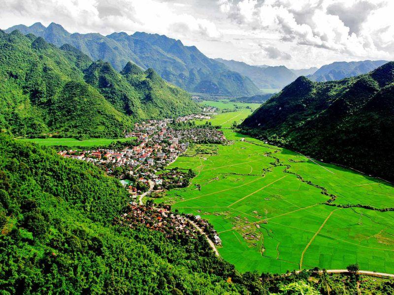 ReadNetworks.com - Những đồ đạc cần thiết nhất cho chuyến du lịch tới Núi Trầm