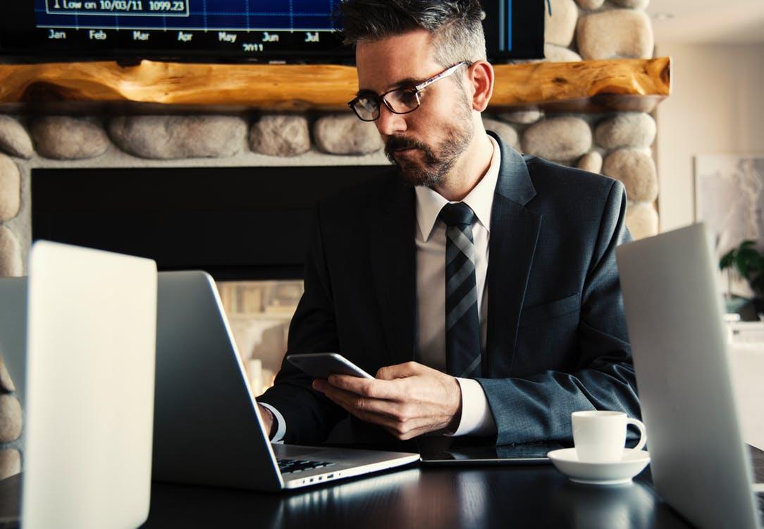RedZoneBlog.com - Các bạn cần làm gì lúc nhà tuyển dụng tra cứu lịch sử công việc của mình.