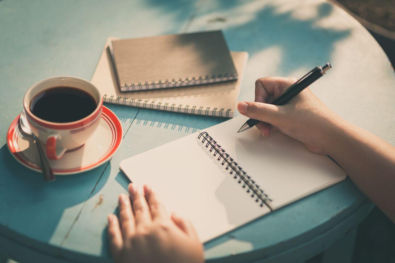 Hướng dẫn cách viết CV đúng chuẩn cho sinh viên làm thêm hiệu quả
